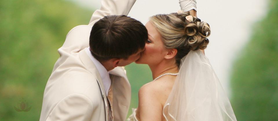Coiffure haute pour bal et mariage