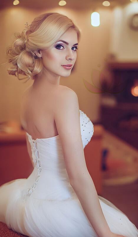 Coiffure haute pour mariage ou bal - Repentigny